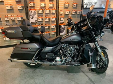 Pre-Owned 2017 Harley-Davidson Touring Ultra Limited FLHTK